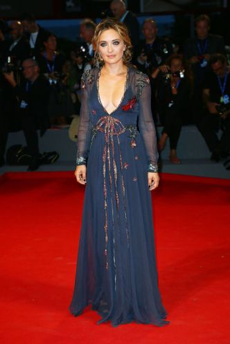 festival-di-venezia-2016-abiti-red-carpet-star-16